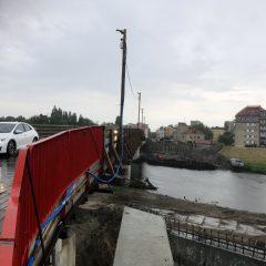 Budowa mostu na ul. Niemodlińskiej nabiera tempa